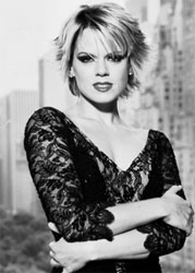 Amy Spanger as Roxie Hart.